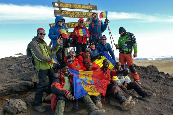 Kenya & Tanzania - Kilimanjaro, Safari, Serengeti, Masai Mara, Naivasha Plaja Zanzibar & Lamu.